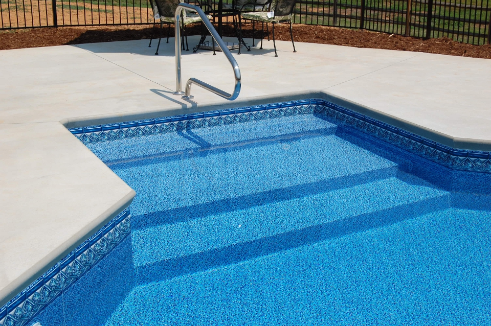 Pictures Of Sundecks Stairs And Benches: Royal Palm Pools, Inc